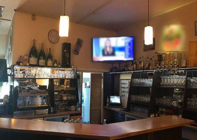 Theke des Café Alibi in Passau